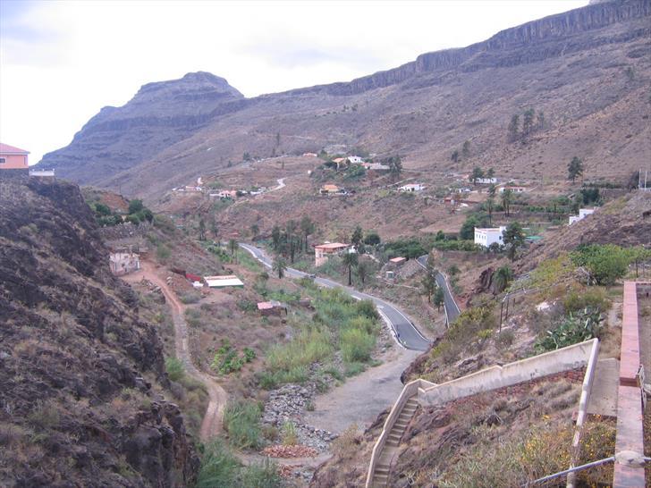 View from Presa de Ayagaures, Ayagaures de Abajo