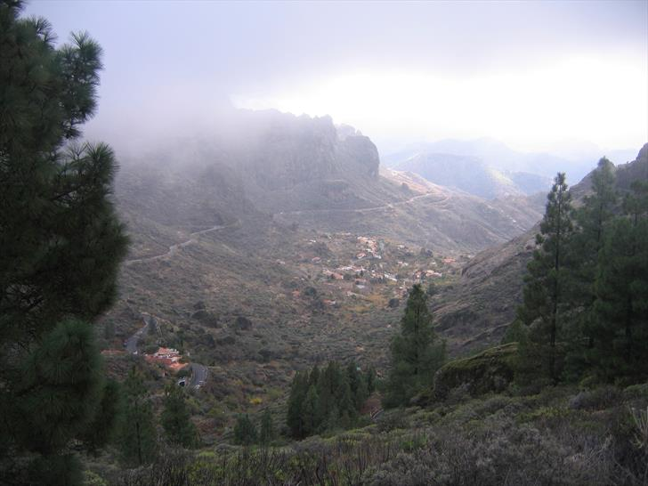 Roque Nublo south-west valley