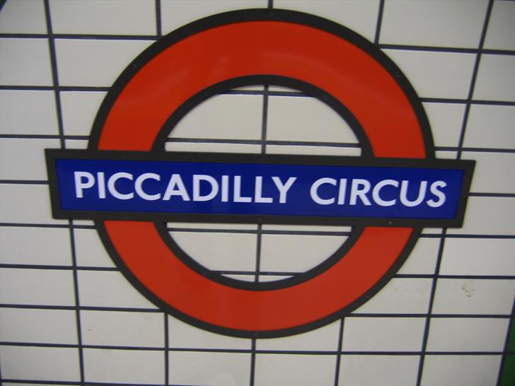 Piccadilly Circus tube station sign