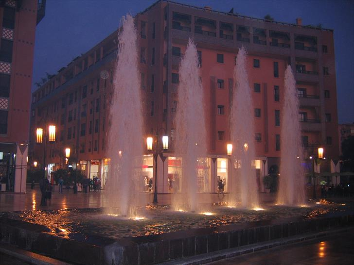 Fountains at Place du 16 Novembre