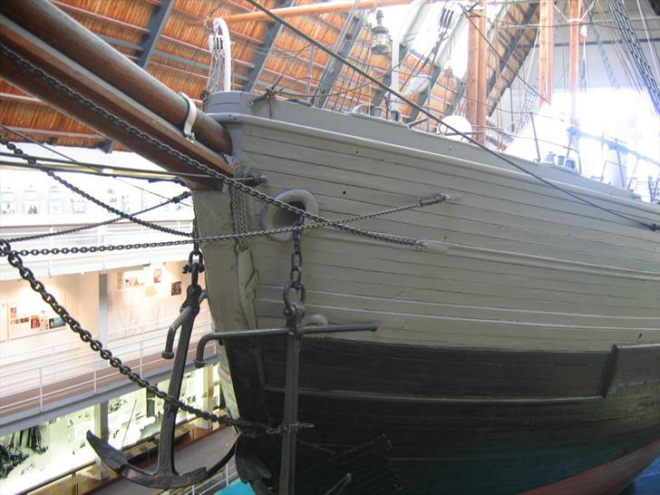 The Fram's anchors