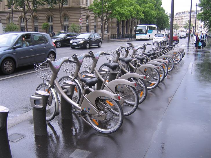 Bicycle stands in Rue de Lobau